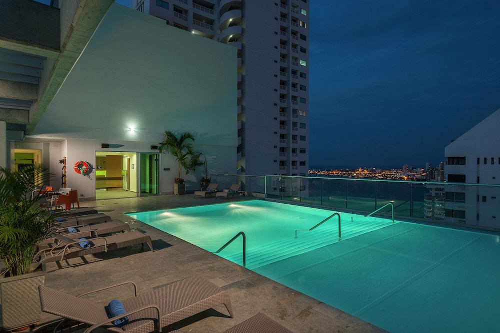 Pool, Hampton By Hilton Cartagena