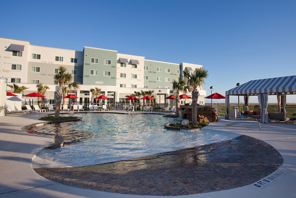 Outdoor Pool, TownePlace Suites by Marriott Galveston Island