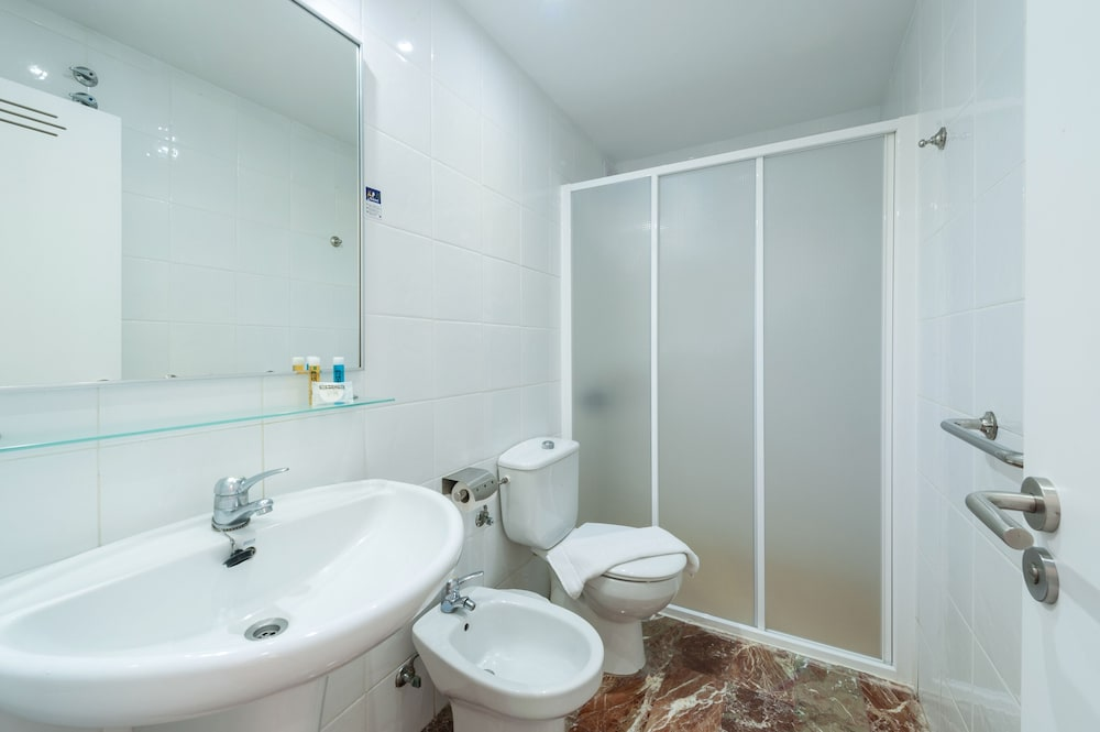Bathroom, Apartamentos Miami