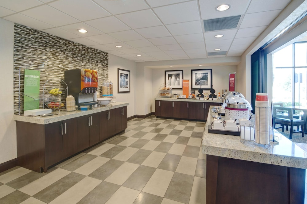 Business Center, Hampton Inn & Suites Trophy Club - Fort Worth North, TX