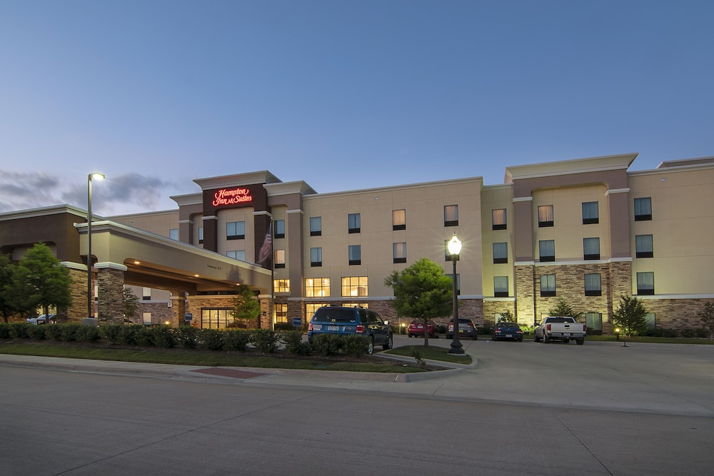 Front of Property - Evening/Night, Hampton Inn & Suites Trophy Club - Fort Worth North, TX