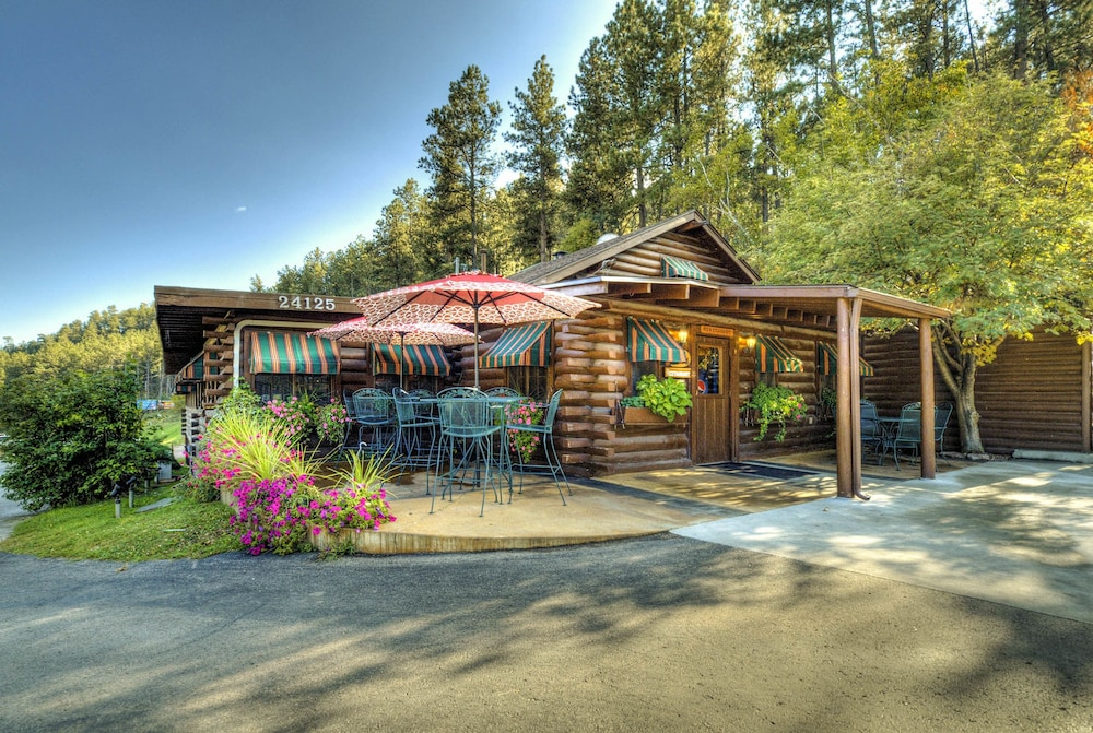 Featured Image, Powder House Lodge