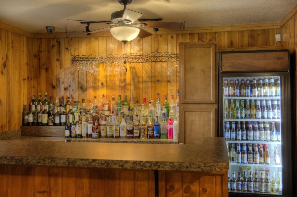 Bar, Powder House Lodge
