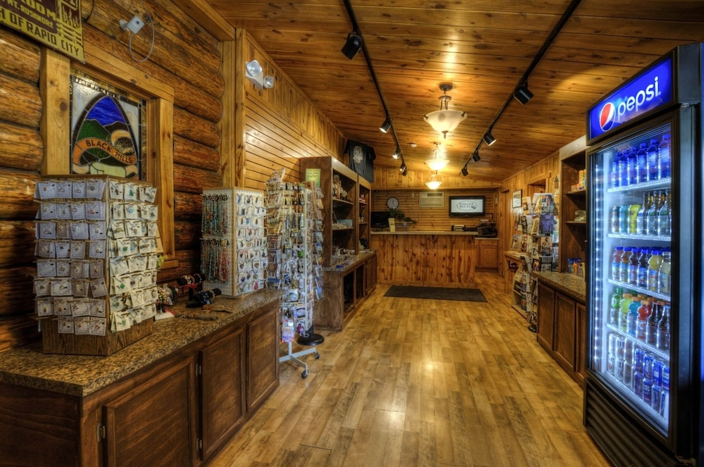 Gift Shop, Powder House Lodge