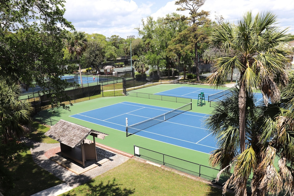 Tennis Court, Coral Sands Resorts by Palmera
