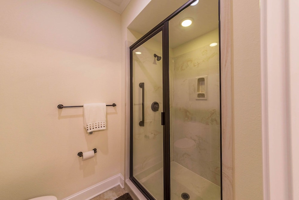 Bathroom Shower, Coral Sands Resorts by Palmera