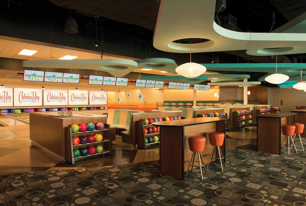 Bowling, Universal's Cabana Bay Beach Resort