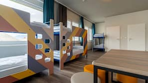 Zimmersafe, Bügeleisen/Bügelbrett, kostenlose Babybetten
