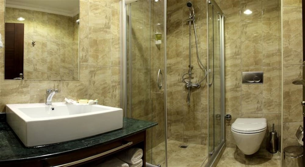 Bathroom, Pera Orient Suites