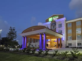 Holiday Inn Express & Suites Houston East - Baytown, an IHG Hotel