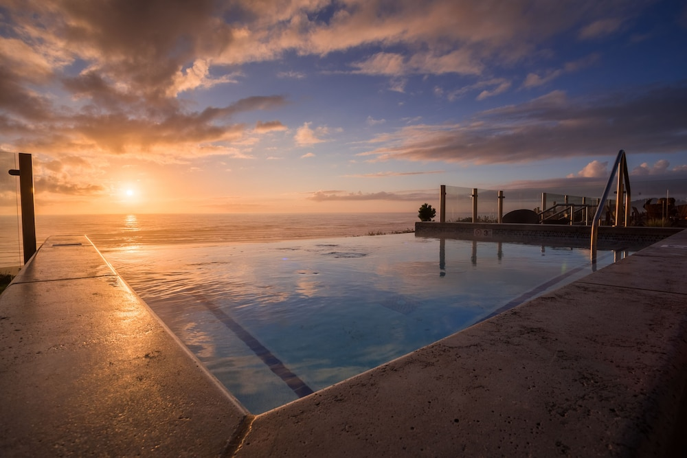 Infinity Pool, Inn at Nye Beach