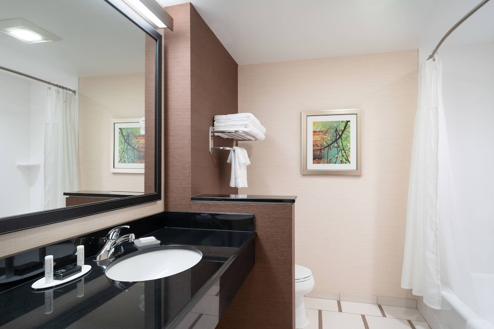 Bathroom, Fairfield Inn & Suites DuBois