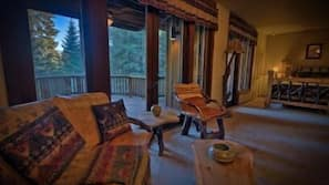Premium bedding, Tempur-Pedic beds, desk, cribs/infant beds