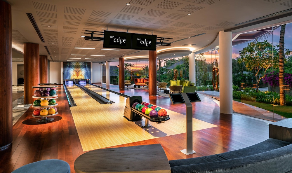 Bowling, The Edge Bali