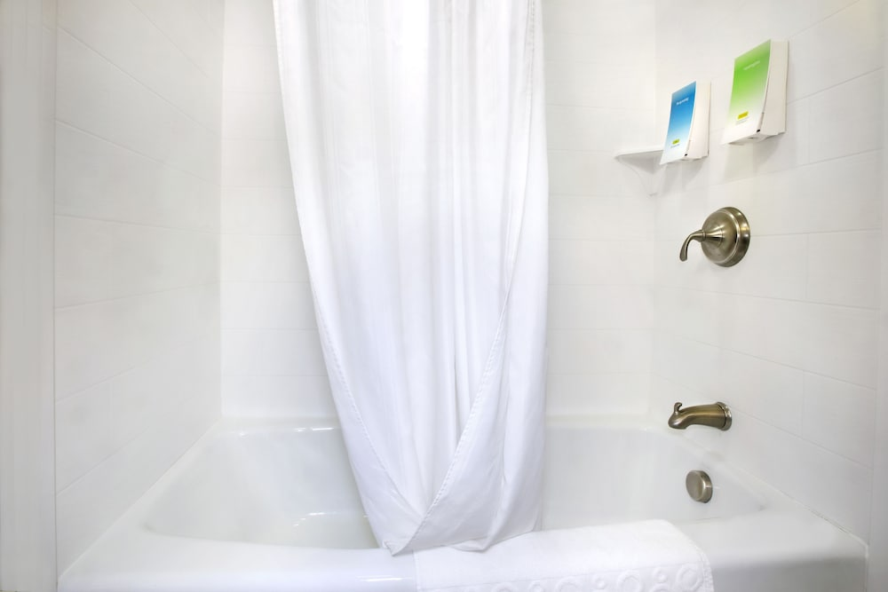 Bathroom Shower, Home2 Suites by Hilton Baltimore/White Marsh
