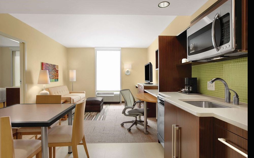 Living Area, Home2 Suites by Hilton Baltimore/White Marsh