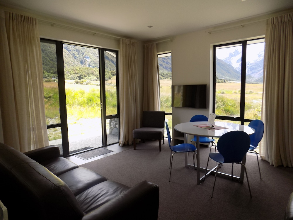 Living Area, Aoraki Court Motel