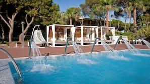 Indoor pool, 4 outdoor pools
