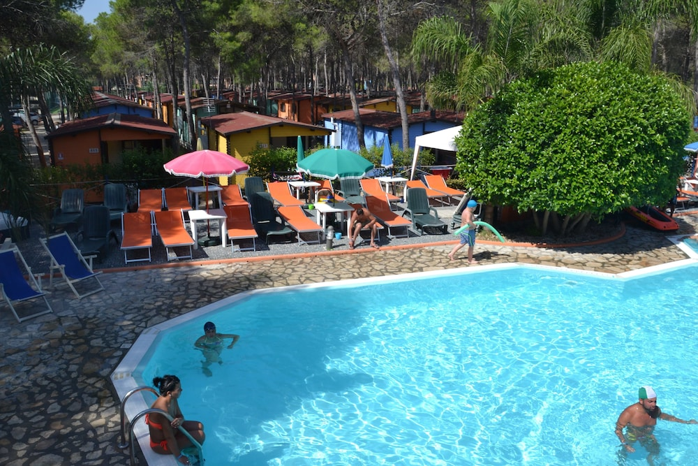 Policoro village campground 2018 room prices deals - Piscina policoro ...