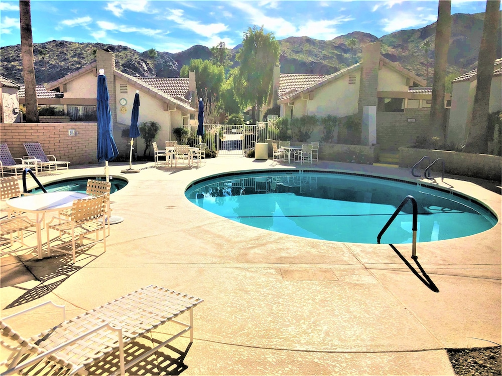 Pool, Trendy, Family-friendly Condo w/ Shared Pool, Private Firepit, and gas Grill!