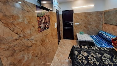 Cream Location,wifi With Android Tv, Luxury Room