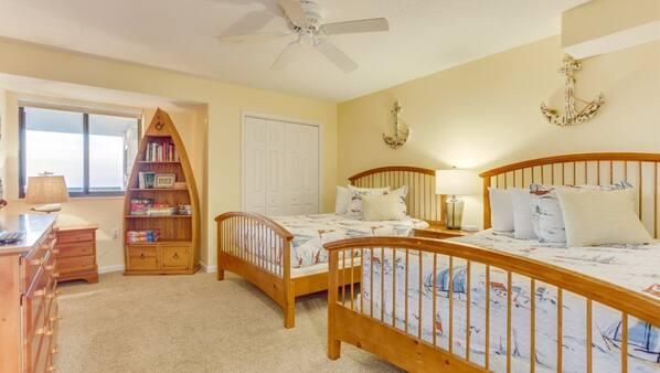 4 bedrooms, desk, free WiFi