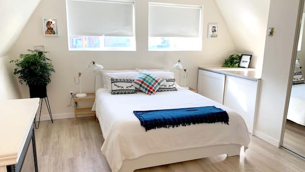 2 bedrooms, cribs/infant beds, WiFi, bed sheets