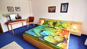 4 Schlafzimmer, Schreibtisch, Bügeleisen/Bügelbrett, WLAN