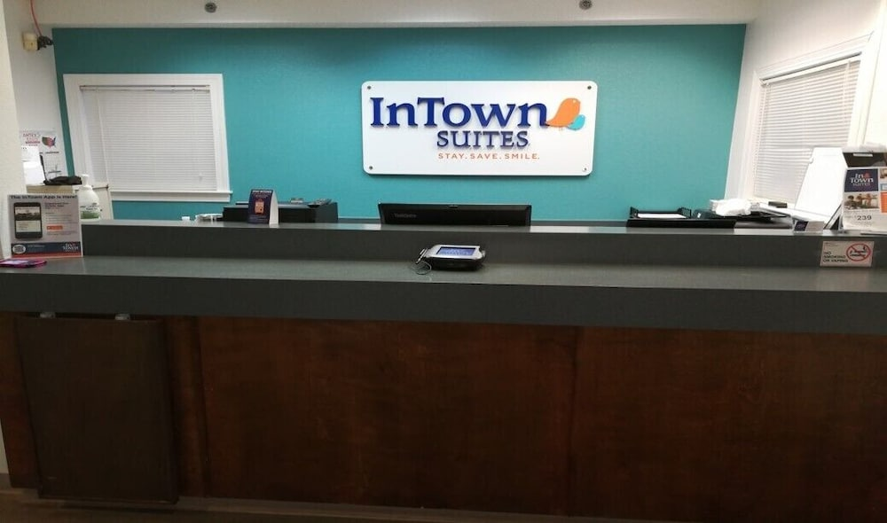 Reception, InTown Suites Extended Stay Louisville KY - Preston Hwy
