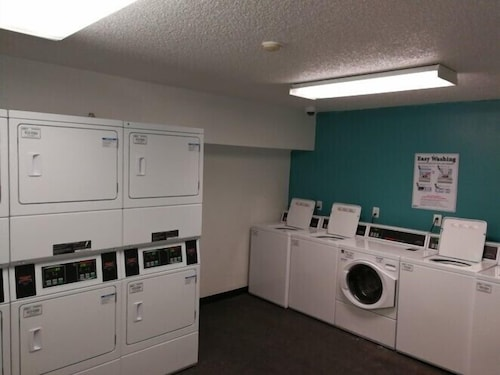 Laundry, InTown Suites Extended Stay Louisville KY - Preston Hwy