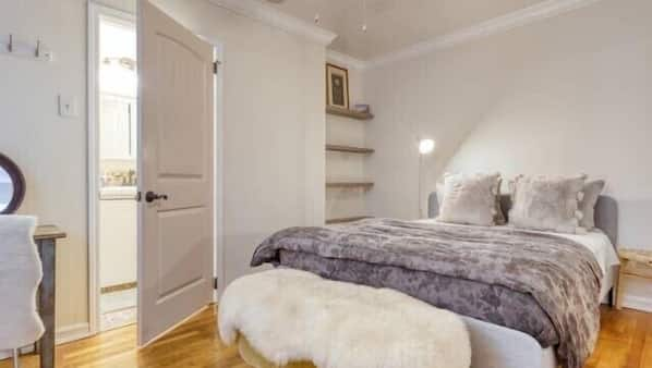 1 bedroom, desk, iron/ironing board, travel cot