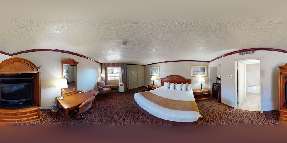 Room, Red Arrow Inn & Suites