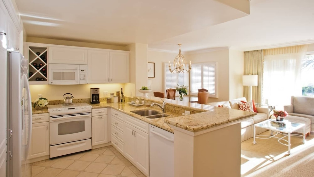 Private Kitchen, Four Seasons Residence Club Aviara 2 Bedroom, 3 Bath, 3 Balconies