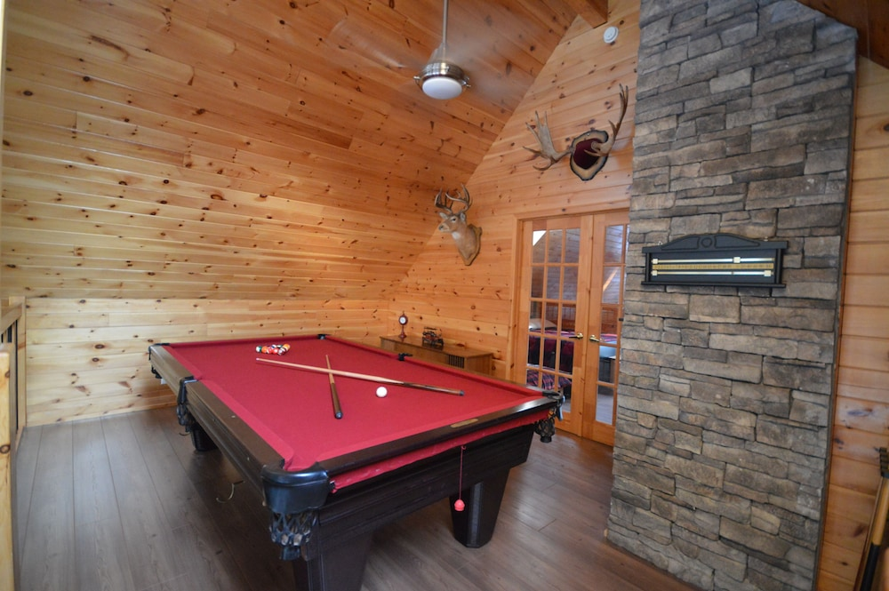 Game Room, World Class Executive Property