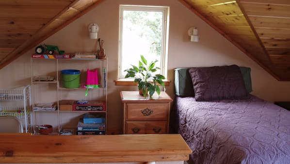 2 bedrooms, iron/ironing board, WiFi, wheelchair access