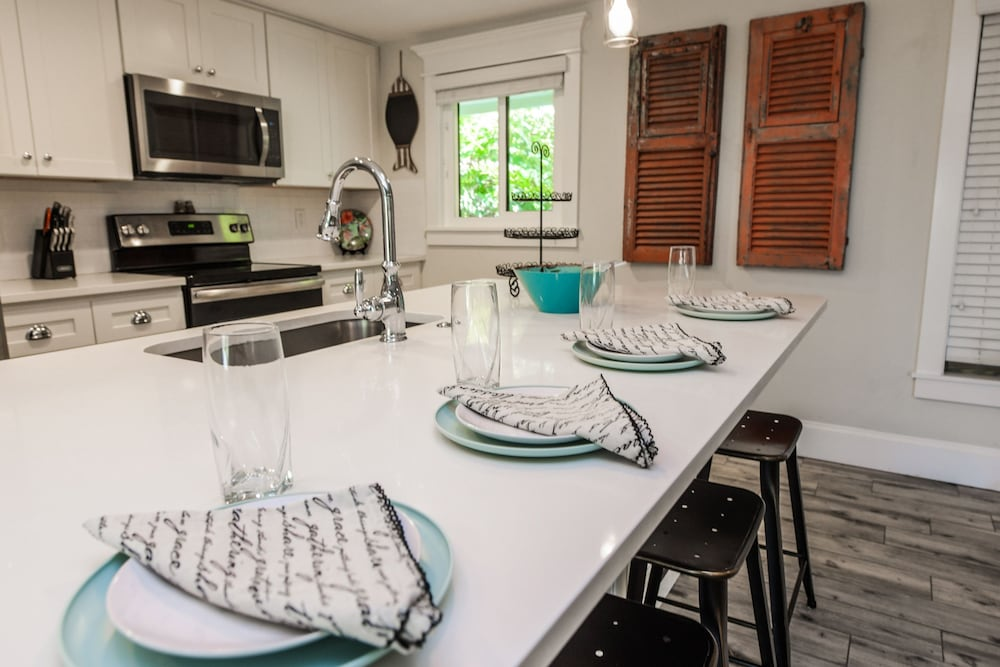 Private Kitchen, Bayside Bungalows by AMI Locals