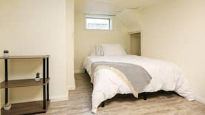 2 bedrooms, iron/ironing board, Internet, bed sheets