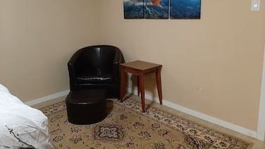Quiet Unit, Walking Distance From Mall and Other big Stores, Free Parking/wifi