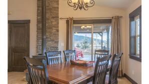 Blender, paper towels, dining tables, kitchen islands
