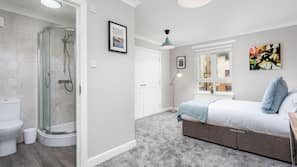2 bedrooms, premium bedding, iron/ironing board, Internet