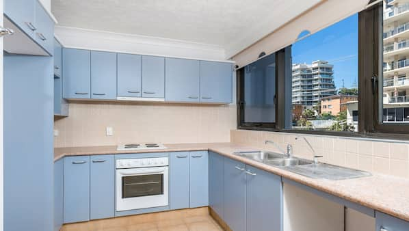Réfrigérateur, micro-ondes, four, lave-vaisselle