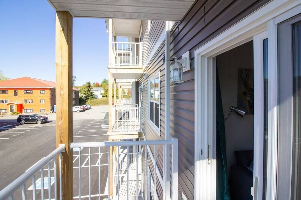 Balcony, Newly Renovated Modern Condo  Near Hospital, UNB  Patio & Parking  Coffee