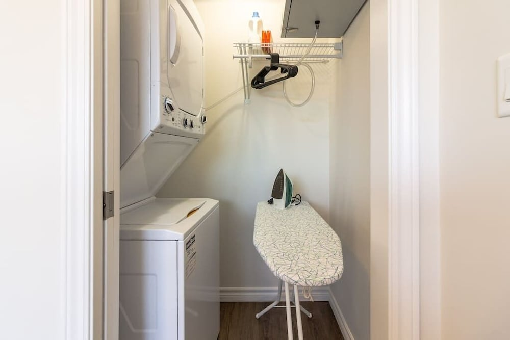 Laundry Room, Newly Renovated Modern Condo  Near Hospital, UNB  Patio & Parking  Coffee