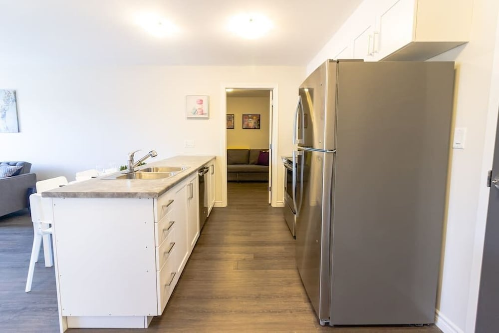 Private Kitchen, Newly Renovated Modern Condo  Near Hospital, UNB  Patio & Parking  Coffee