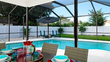 Anna Maria Villa - 4 bedrooms / 3 baths, heated pool and pet friendly