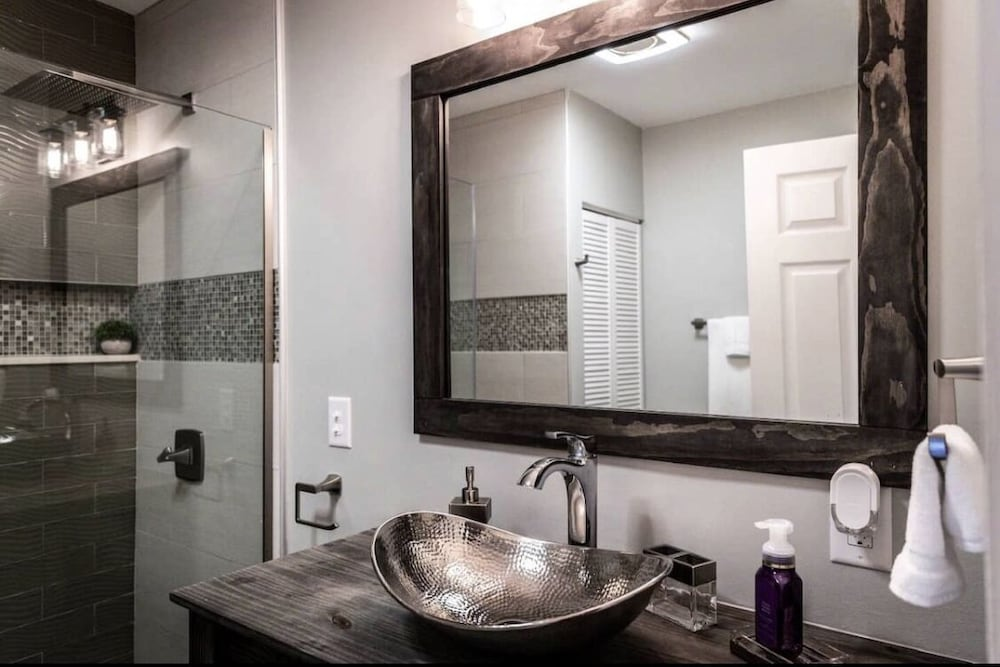 Bathroom, Chic, Modern Luxury in the Heart of Vehicle City