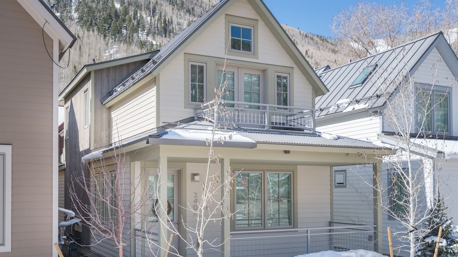 Gondola Townhomes 340a by Alpine Lodging Telluride