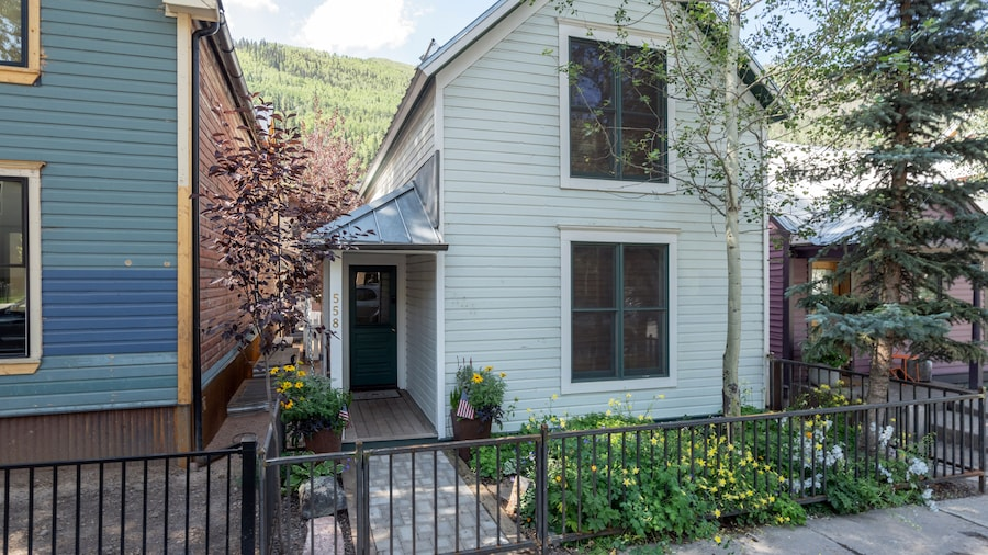 Cassidy's Quarters by Alpine Lodging Telluride