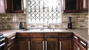 Fridge, oven, hob, electric kettle