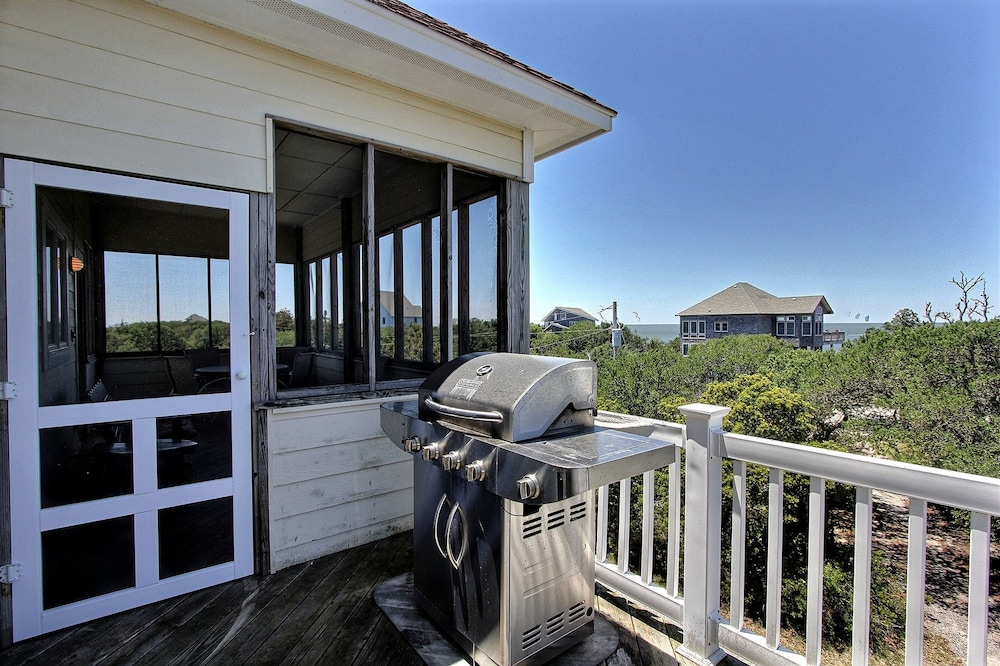 Balcony, Expansive Home With Private Pool and Hot Tub, High-speed Wifi, and Central AC